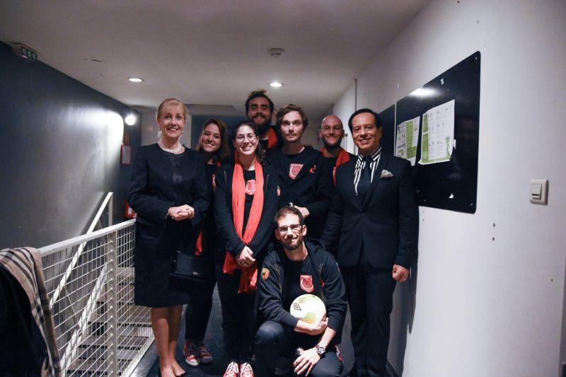 L'équipe de Suisse avec la Consule générale de Suisse : Madame Line Marie Leon-Pernet